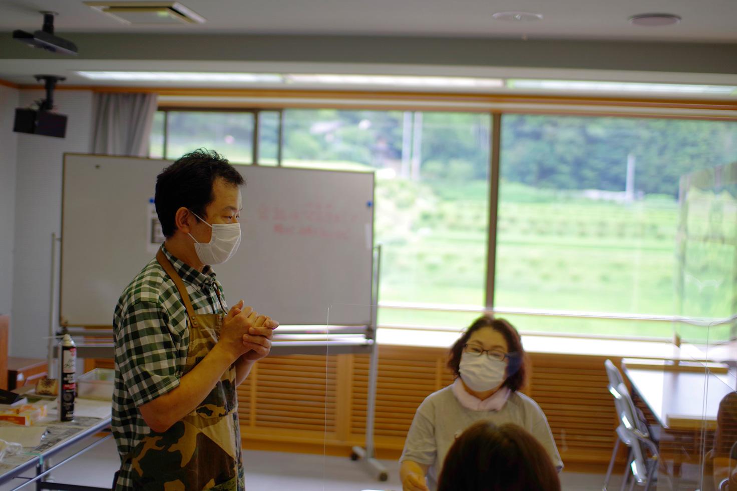 体験の説明をする、気さくな安藤源一郎先生